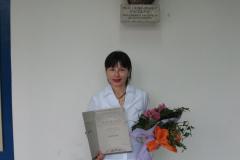 Tinka Katić ispred biste prof. dr. Lj. Markić-Čučuković