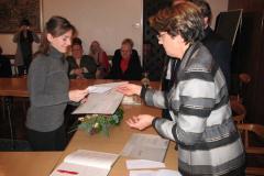 Kristina Prusec prima nagradu