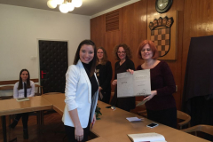 Sara Semenski prima nagradu
