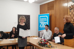 Predsjednica ZKD-a Alka Stropnik prima nagradu